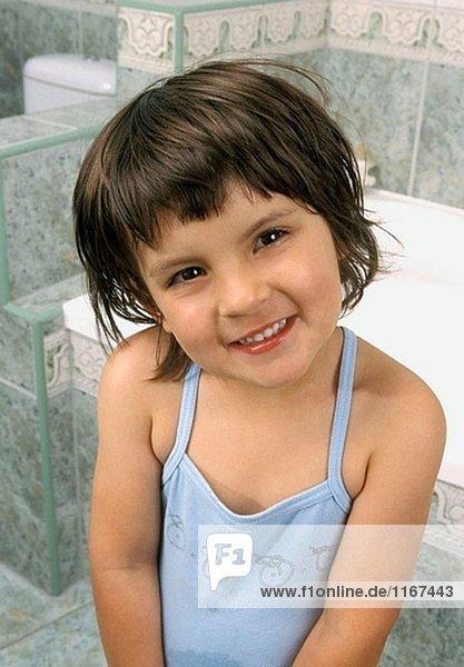 lächeln Badezimmer Mädchen