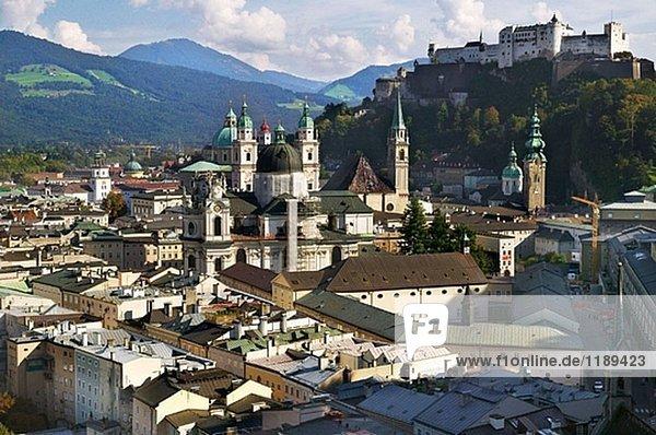 Überblick über die alte Stadt und Festung Hohensalzburg  Salzburg. Österreich