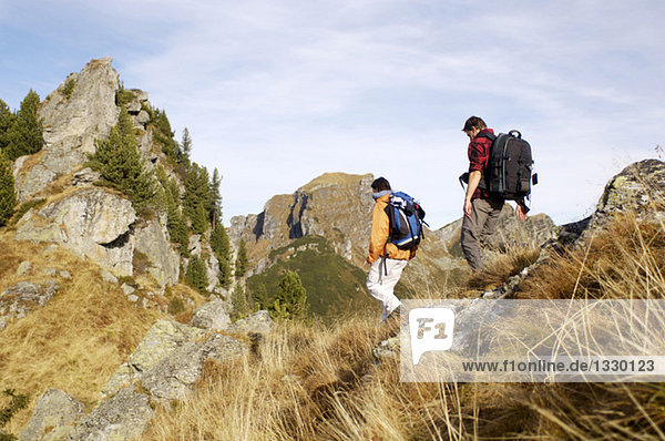 Paar Wanderungen in den Bergen