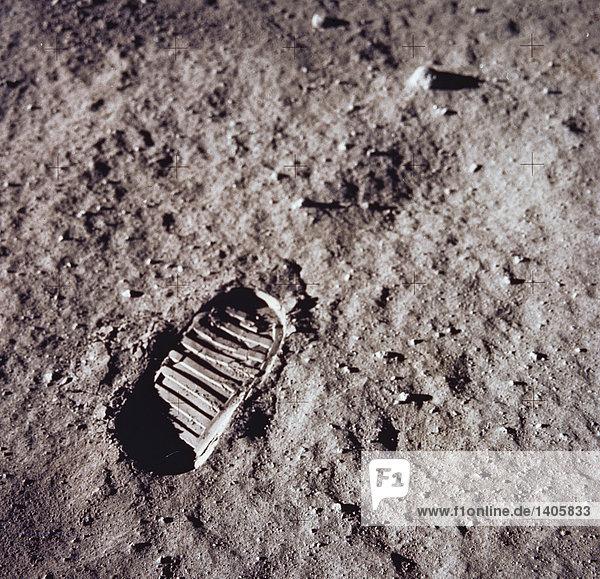 Raum & Astronomie. NASA. Mondlandung. Astronaut. Präsenz in lunar Boden.