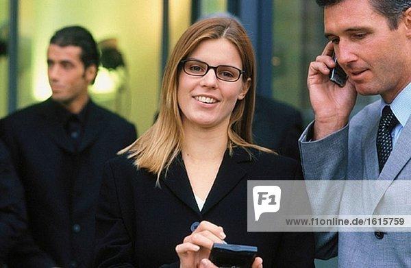 Geschäftsfrau  Blick in die Kamera