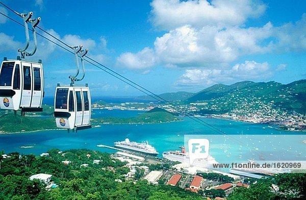 Port und Seilbahn. Charlotte Amalie. St. Thomas. Amerikanische Jungferninseln. West Indies. Karibik