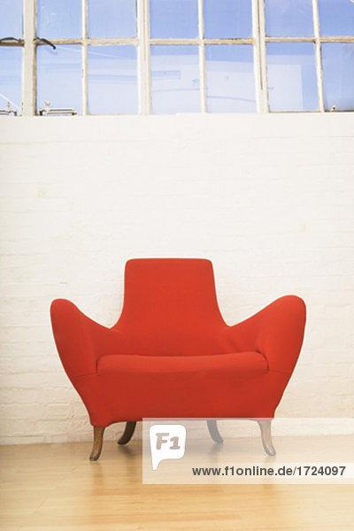 Stillleben mit single red Sessel