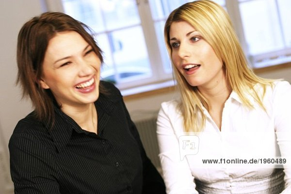 Zwei positive Mädchen