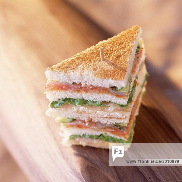 Geräucherter Lachs Club sandwich