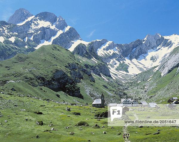 Landschaftlich schön landschaftlich reizvoll Europa Berg Wohnhaus Gebäude Dorf Schweiz
