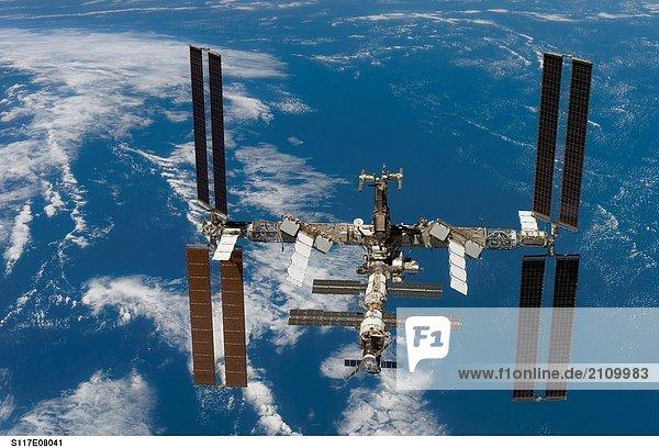 Satellitenaufnahme von International Space Station  der um die Erde