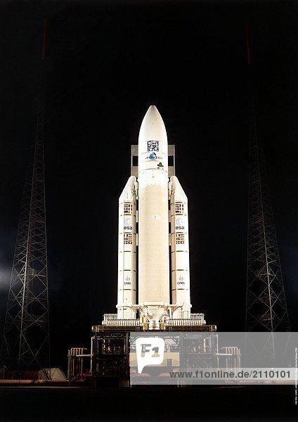504 Ariane-Rakete auf Startrampe im Raumfahrtzentrum