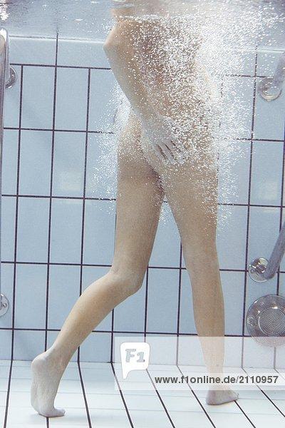 Schwimmen nackt mädchen Nackte Jungs