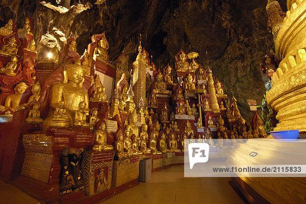 Buddha-Statuen im Pagode  Shwe U Min Pagode  Pindaya Höhle  Shan State  Myanmar