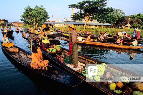 Floating market  Yohama Village  Inle lake  Shan state  Myanmar