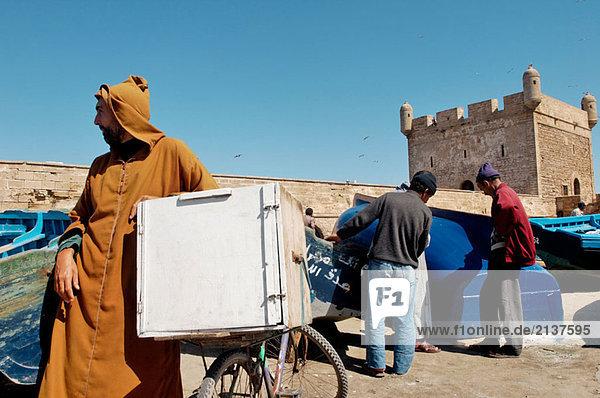 Der alte Hafen. Die Stadt von Essaouira. (historische Stadt von Mogador). Atlantik-Küste. Marokko.