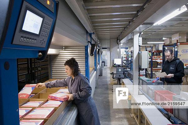 Vorbereitung der Bestellung  liefert Office im Store House. Guipuzcoa  Baskenland  Spanien