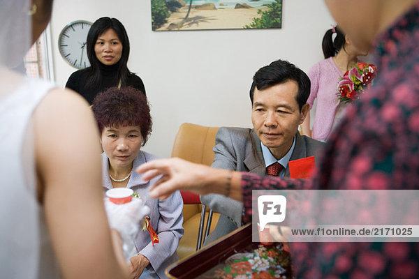 Chinesische Hochzeitstee Zeremonie