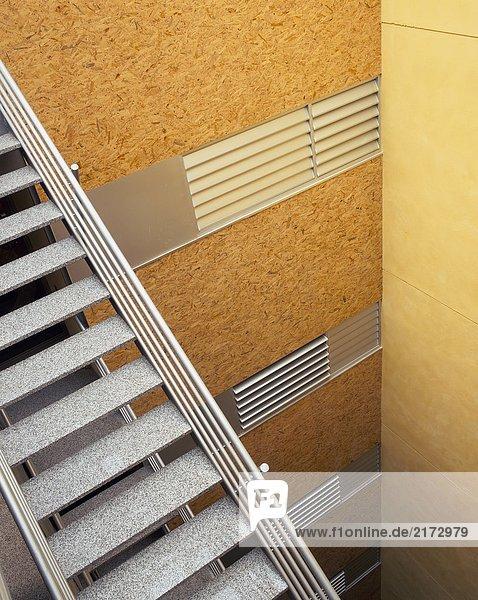 Gebäude innerhalb Treppenhaus Büro Ansicht