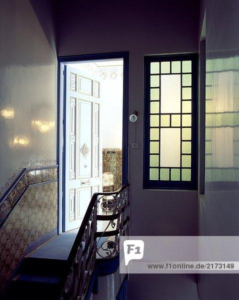 Wohnhaus Eingang offen Ansicht