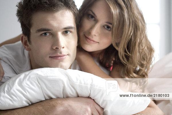 Porträt Paares im Bett