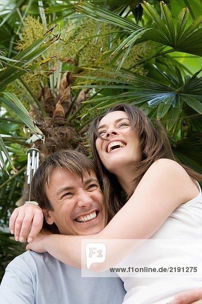 Porträt eines glücklichen Paares.