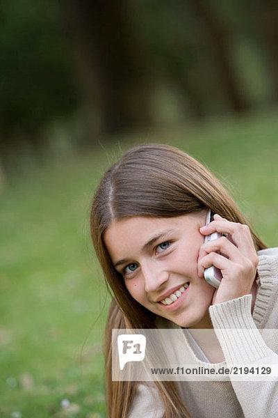 Anrufen,Aussen,Blauäugig,Blick in die Kamera,CD369045