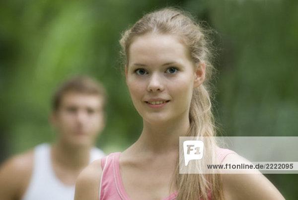 Headshot blond jungen Frau