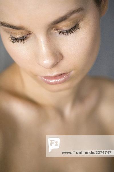 Frau in Make-up-glod