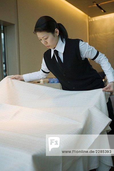 ´Beige´ trendiges Restaurant im Besitz von Alain Ducasse im Ginza gemeinsam mit Chanel in ihre Gebäude David Bellin Küchenchef Tokyo Japan