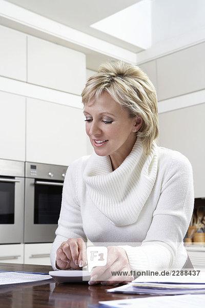 Interior zu Hause reifer Erwachsene reife Erwachsene