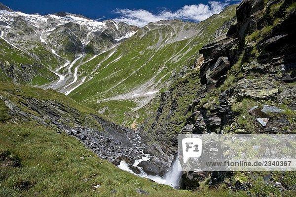 Wasserfall Kanton Tessin Westalpen Schweiz Schweizer Alpen