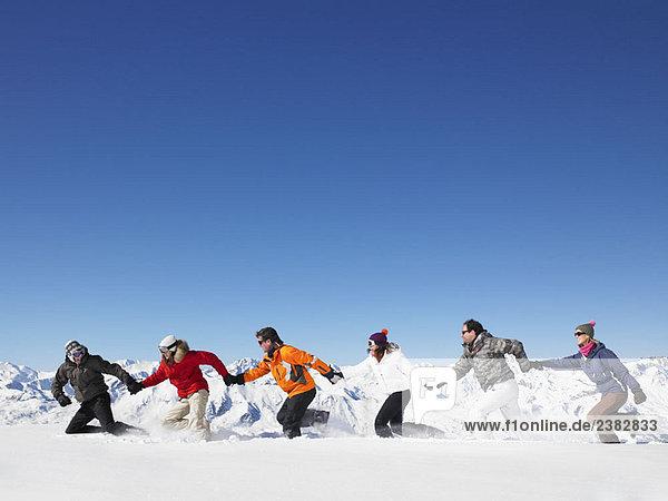 Gruppenlauf im Schnee
