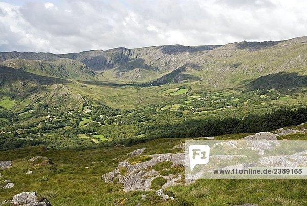 Wolken über Hills  Beara Halbinsel  County Cork  Munster  Irland