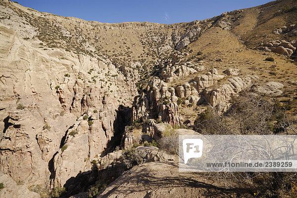 Felsformationen auf Landschaft  Dana National Park  Jordanien