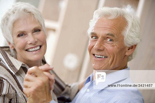 Senior Paare tanzen