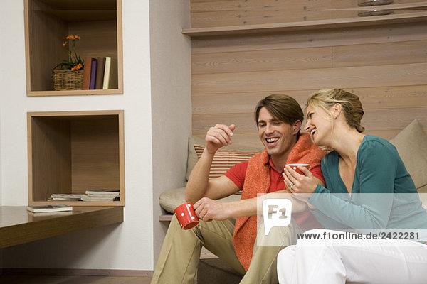 Junges Paar  lachend  Portrait
