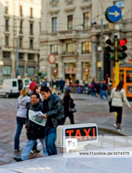Taxi  Milano. Lombardei  Italien