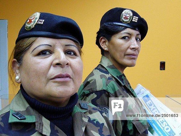 Peruanische PolizistInnen  Lima  Peru