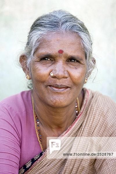Portrait einer Frau  Erodieren  Indien