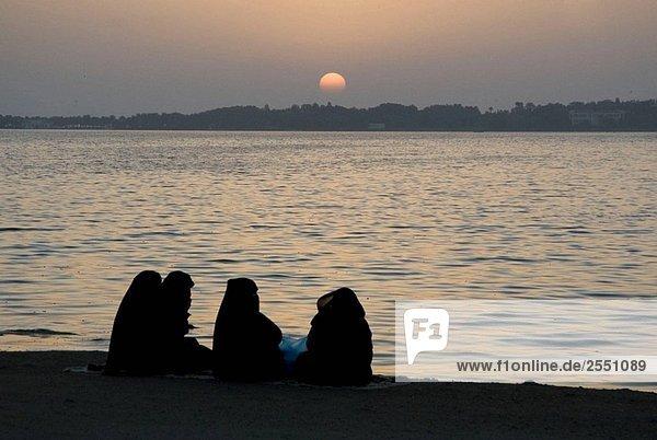 Saudi-Arabien  Jeddah  Rotes Meer  Corniche in der Nacht