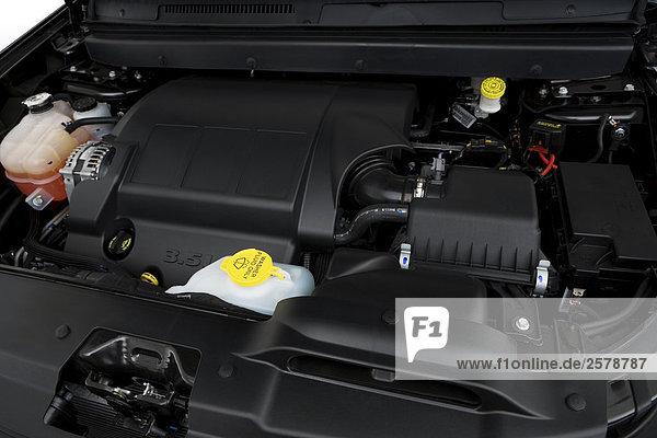 2009 dodge journey engines 2 Dodge Journey SE in Silver - Engine
