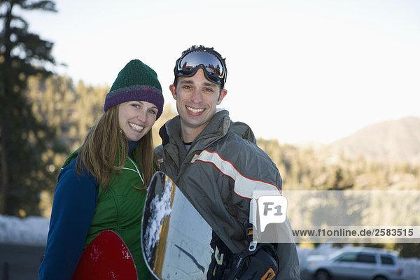 Snowboarding paar