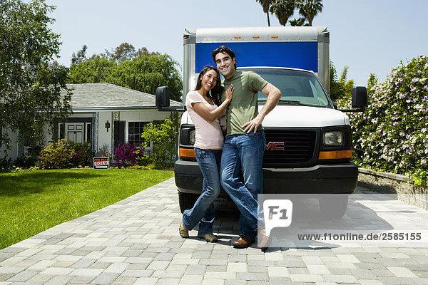 frontal Bewegung Lastkraftwagen jung