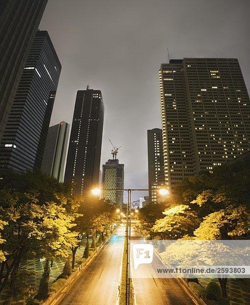 Tokio Stadtbild bei Nacht