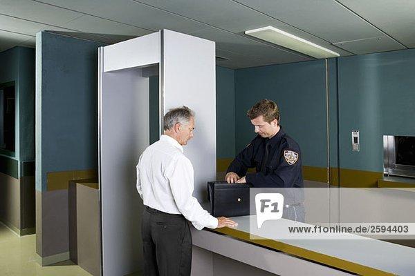 Polizeiliche Sicherheitskontrolle