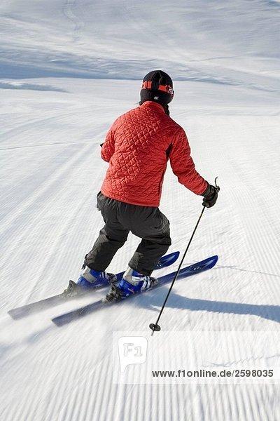 Frau Skifahren  Sun Valley  Idaho  USA