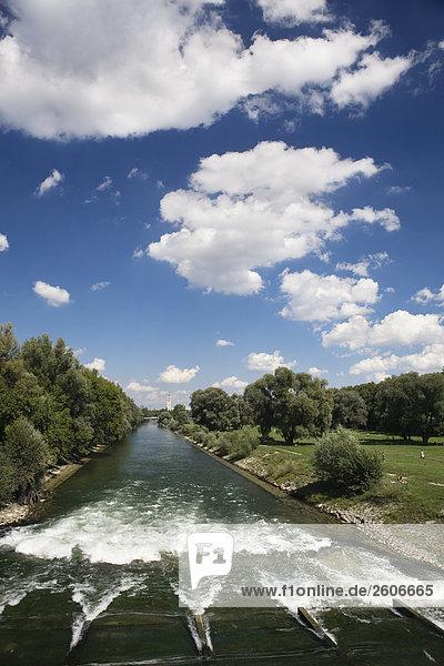 Isar Fluss  München  Deutschland