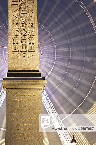 Reisenrad und Obelisk  Place de la Concorde  am Abend  Paris  Frankreich