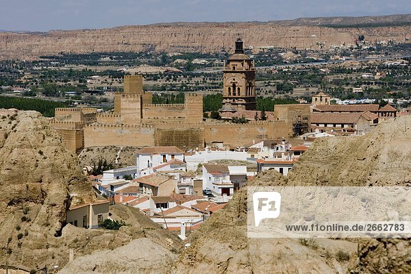 Erhöhte Ansicht von Fort  Barrio de Santiago  Barrio de Las Cuevas  Guadix  Granada  Andalusien  Spanien