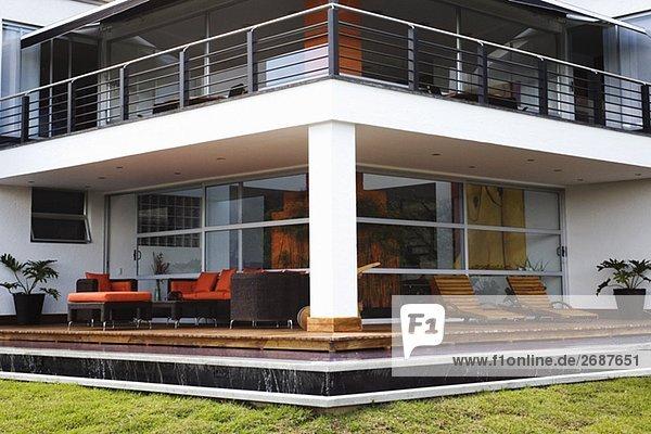 Wohnhaus Sessel Couch Veranda