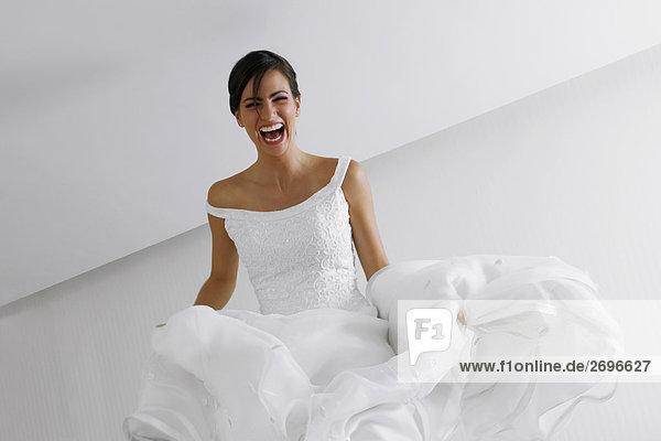 Untersicht lächelnd eine Braut