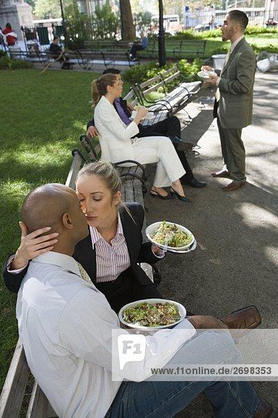 Geschäftsfrau Geschäftsmann küssen Hintergrund 3 Wirtschaftsperson Business
