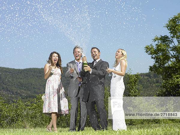 Hochzeits-Party mit Champagner
